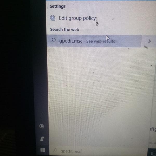 "Tìm kiếm""gpedit.msc"""